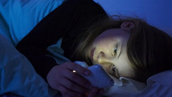 How Smartphone Light Affects Your Child's Brain and Body